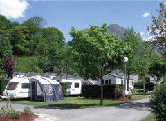 Empalcements de camping pour tentes et caravanes au amping Airotel Pyrénées