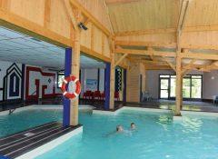 La piscine couverte dans le camping Airotel Pyrénées