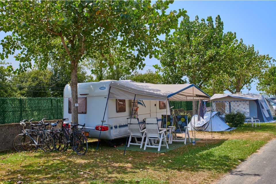 Un emplacement pour caravane dans le Biarritz camping