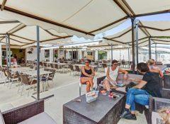 Le restaurant dans le camping Bon Port à Lunel