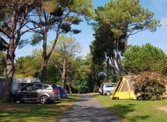Les emplacements de camping du camping Itsas Mendi à Saint Jean de Luz