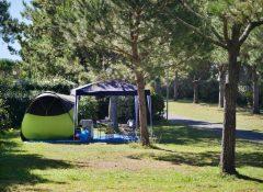 Un emplacement de camping pour tentes du camping Itsas Mendi à Saint Jean de Luz