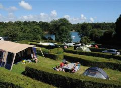 Un emplacement de camping pour tente dans le camping Kéranterec