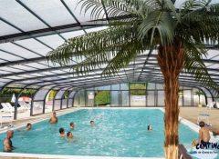La piscine couverte chauffée dans le camping L'Etang du pays blanc à Guérande
