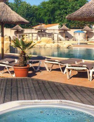 La piscine dans le camping Les Gros Joncs à saint Georges d'oléron