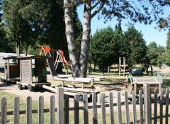 L'aire de jeux pour enfants du camping Lac de Miel à Beynat