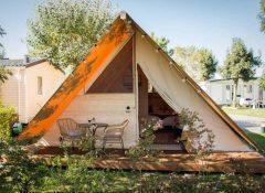 Un hébergement insolite (tente lodge) dans le camping Soleil Levant à Meschers sur Gironde