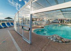 La piscine chauffée dans le camping Bord de Mer