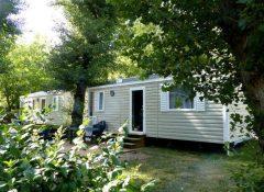 Un mobil home dans le camping Saint Lambert à Millau
