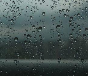 vacances au camping sous la pluie